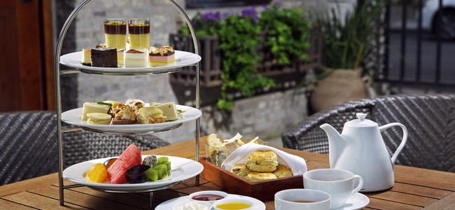 "杭州湖边邨酒店举办""1元""英式下午茶活动 British Afternoon Tea Event in Chaptel Hangzhou"