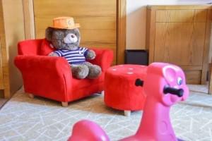 房间备品:沙发